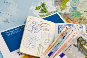 Passport_money_visa_map_travel_-RYANAIR-COMPENSATION-RULING-580x386