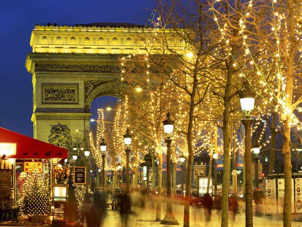 Новорічний Париж і Амстердам зі Львова